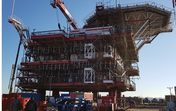 Offshore expertise enables jack-up oil field expansion