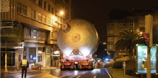 Oil refinery emissions reduced with transport and lift of A Corunas largest ever item, Spain