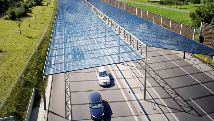 Solar panel covered Autobahn could speed German energy transition